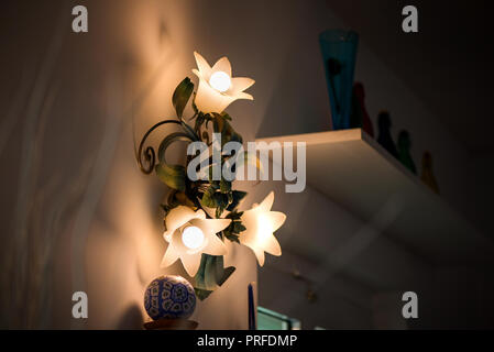 Vintage Style Lampen mit Blume Blüte design - Stockfoto