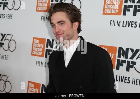 """New York, USA. 2. Oktober, 2018. Schauspieler Robert Pattinson besucht die """"High Life"""" Premiere in der Alice Tully Hall im Oktober 2, 2018 in New York City. Credit: AKPhoto/Alamy leben Nachrichten - Stockfoto"""