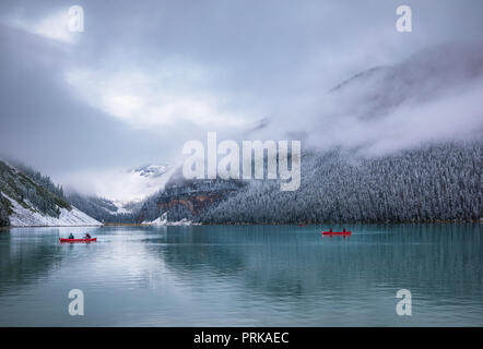Lake Louise ist ein Gletschersee im Banff National Park in Alberta, Kanada. - Stockfoto