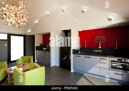 Moderne schön gestaltete Interieur Wohnung und Küche - Stockfoto