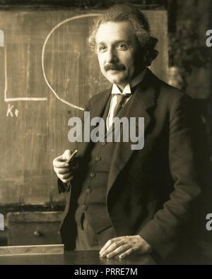 Albert Einstein (14. März 1879 - 18. April 1955) war ein Deutscher - geborener theoretischer Physiker, der die Relativitätstheorie entwickelt. - Stockfoto
