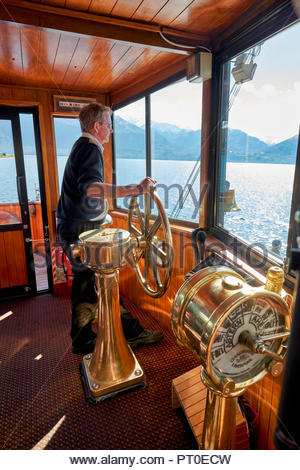 Kreuzfahrt auf dem Lake Wakatipu, Queenstown Neuseeland auf vintage Dampfschiff TSS Earnslaw - Stockfoto