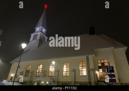 ROVANIEMI, Finnland - 15 Dezember, 2016: Kirche in Rovaniemi, Finnland Rovaniemi Pfarrei größten Pfarreien unter der Finnischen evangelisch-lutherischen Gemeinden. - Stockfoto