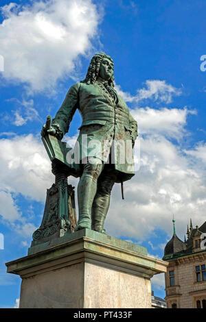 """Händel """"Denkmal vor dem Stadthaus am Marktplatz, Halle/Saale, Sachsen-Anhalt, Deutschland - Stockfoto"""