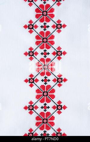 Stickerei auf Stoff mit roter Faden Kreuz Stockfoto, Bild: 57452619 ...