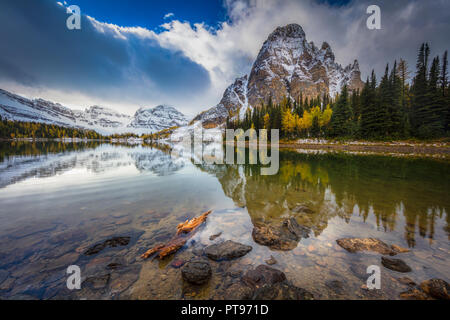 Mount Assiniboine Provincial Park ist ein Provincial Park in British Columbia, Kanada, um Mount Assiniboine gelegen. - Stockfoto
