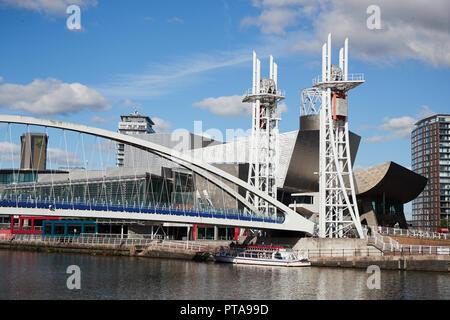 Ein Blick auf die Lowry Brücke, Salford, Greater Manchester, UK - Stockfoto