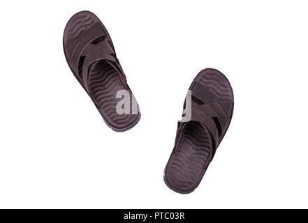 Mens Sommer Leder braun Sandalen in Schritt auf weißem Hintergrund -  Stockfoto f6bceb045d