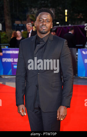 Daniel Kaluuya anreisen, für die 62 BFI London Film Festival Opening Night Gala Screening von Witwen im Odeon Leicester Square, London statt. - Stockfoto