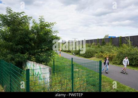 Berlin. Deutschland. Erhaltene Abschnitt der Berliner Mauer in Rudow und Altglienicke, Reste der Hinterlandmauer (innenwand) war die Südlichste sec - Stockfoto
