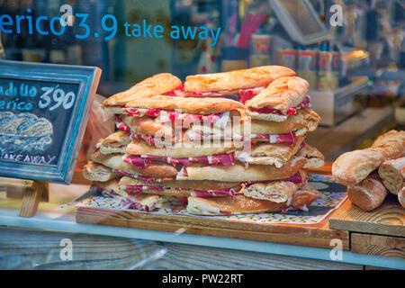 Berühmte spanische Schinken Sandwich in den Straßen von Granada historische Stadtzentrum verkauft - Stockfoto