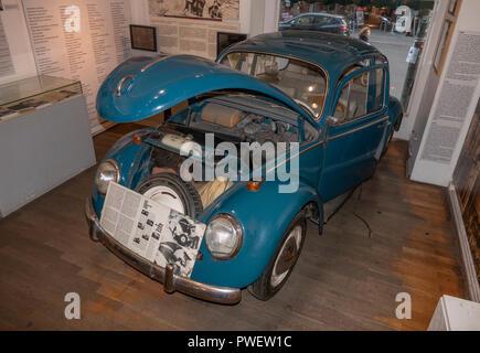 VW Volkswagen 1200 wurde verwendet, um die DDR-Bürger in die Flucht nach West-Berlin zu verbergen. Kurt Wordel geschmuggelt 55 Ostdeutsche über die Berliner Mauer. - Stockfoto