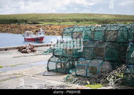 Pier in Lochmaddy, North Uist, Äußere Hebriden - Stockfoto