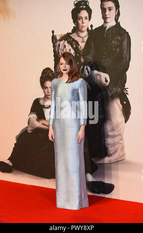 "London, Großbritannien. 18. Oktober, 2018. Emma Stone besucht die UK-Premiere von ""Der Favorit"" & American Express Gala am 62. BFI London Film Festival am 18. Oktober in London, England 2018. Credit: Gary Mitchell, GMP-Media/Alamy leben Nachrichten - Stockfoto"