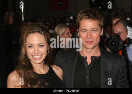 "Angelina Jolie, Brad Pitt 06/05/07 ""Ocean's Thirteen"" Premiere @ Grauman's Chinese Theater, Hollywood Foto von Ima Kuroda/HNW/PictureLux Juni 5, 2007 Datei Referenz # 33686_072 HNWPLX - Stockfoto"