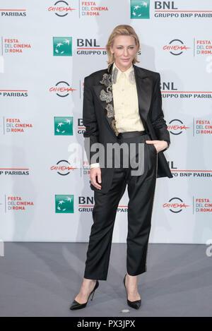 Rom, Italien. Okt 2018 19. Cate Blanchett, die das Fotoshooting des Hauses mit einer Uhr in seinen Mauern in Rom Film Fest Quelle: Silvia Gerbino/Alamy leben Nachrichten - Stockfoto
