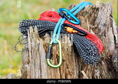 Seil Klettergurt Knoten : Klettergurt mit knoten stockfoto bild: 80153598 alamy