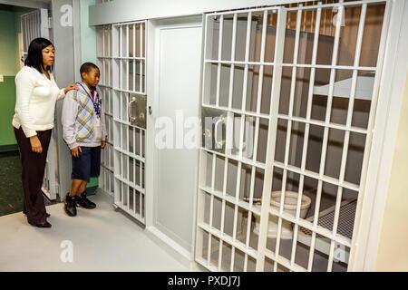 Florida, FL, Süd, Miami, Overtown, Black Police Precinct und Courthouse Museum, große Eröffnung, Zeremonie, Community Event, Geschichte, Erbe, Segrega - Stockfoto