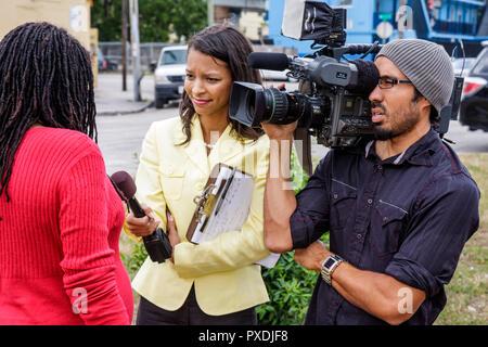 Florida, FL, Süd, Miami, Overtown, Community RedeDevelopment Agency, rehabilitiert erschwingliche Gehäuse Ribbon Cutting Ceremony, Black Blacks African AF - Stockfoto
