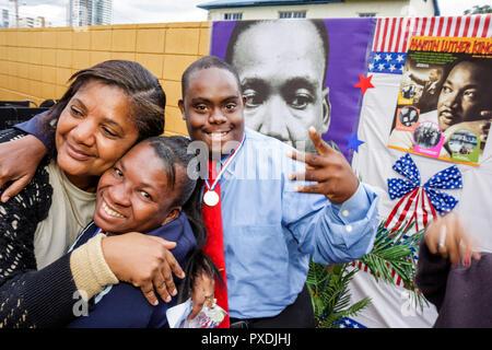 Miami Florida Association für die Entwicklung von außergewöhnlichen ADE MLK Tag Karneval entwicklungspolitisch deaktiviert mental geistig Physicall - Stockfoto