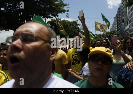 RJ - Rio de Janeiro - 10/21/2018 - PT Handeln in Lauge wüschest Ich RJ-Bolsonaro Demonstranten und Unterstützer März auf Icara Strand heute Nachmittag (21.). Foto: Ian Cheibub/AGIF - Stockfoto