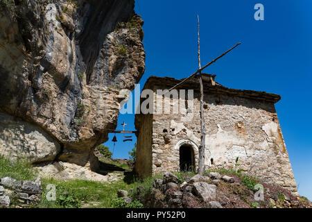 Die Ruinen der byzantinischen Tsouka Kloster in der Nähe der Stadt Kastoria in Griechenland - Stockfoto