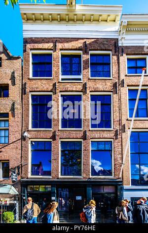 Das berühmte Anne Frank Haus und Museum an der Prinsengracht (Prinz Kanal) in der Jordaan Viertel im historischen Zentrum von Amsterdam in Holland - Stockfoto