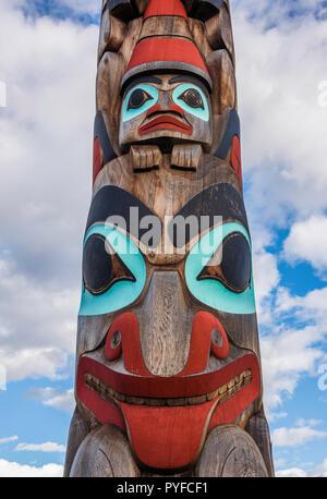Geschichte von zwei Brüder Totel Pole, Jasper NP, Alberta, Kanada, von Bruce Montagne/Dembinsky Foto Assoc - Stockfoto