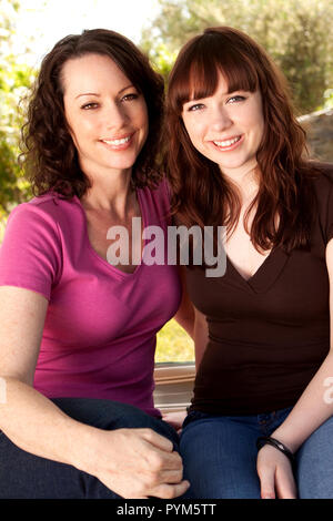 Mutter und Tochter im Teenageralter. - Stockfoto