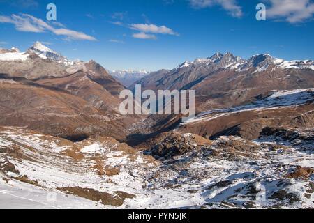 Erstaunliches Panorama vom Matterhorn glacier paradise in Zermatt, Alpen, Schweiz - Stockfoto