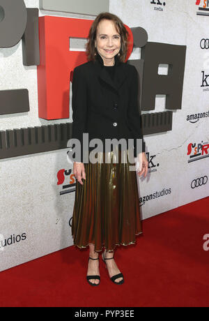 "Los Angeles, CA, USA. 24 Okt, 2018. 24. Oktober 2018 - Los Angeles, Kalifornien - Jessica Harper. ""Uspiria"" Los Angeles Premiere gehalten am Arclight Hollywood Cinerama Dome. Photo Credit: Faye Sadou/AdMedia Credit: Faye Sadou/AdMedia/ZUMA Draht/Alamy leben Nachrichten - Stockfoto"