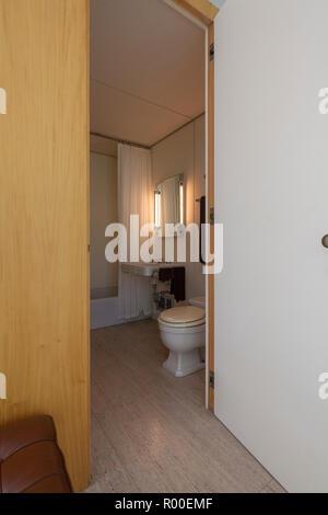 Badezimmer, Interieur des Farnsworth House von dem Architekten ...