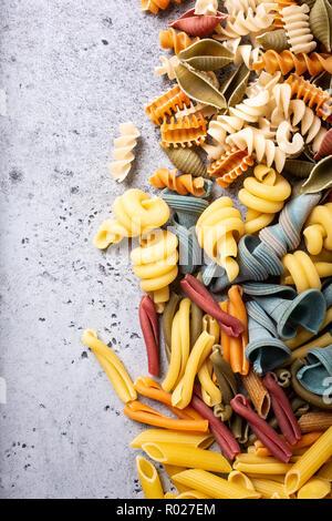 Sortierte bunte italienische Pasta - Stockfoto