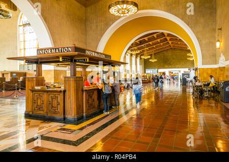 Blick auf den Innenbereich von Union Station, Los Angeles, Kalifornien, Vereinigte Staaten von Amerika, Nordamerika - Stockfoto