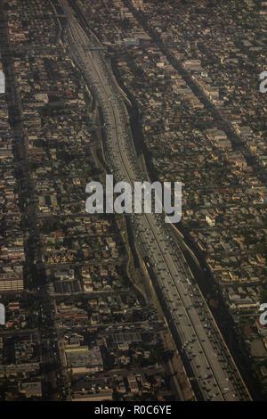 Luftaufnahme der Wohnviertel in West LA Los Angele Kalifornien, USA - Stockfoto