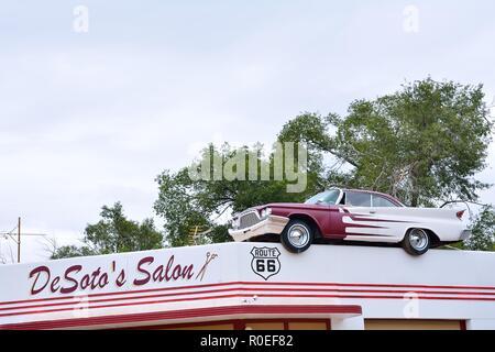 Alten Barbier Schild An Einem Verlassenen Gebäude Stockfoto Bild