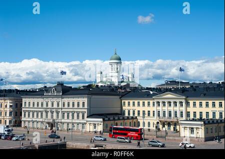 23.06.2018 - Helsinki, Finnland, Europa - ein Blick auf den Präsidentenpalast und die Kathedrale von Helsinki im Hintergrund. - Stockfoto
