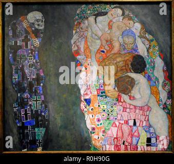 """Gustav Klimt (Wien, 1862, Wien, 1918). Österreichische symbolistische Maler. Mitglied der Wiener Secession. Morte e Vita """"Tod und Leben"""", 1915. Öl auf Leinwand. 178 cm x 198 cm. Leopold Museum. Wien. Österreich. - Stockfoto"""