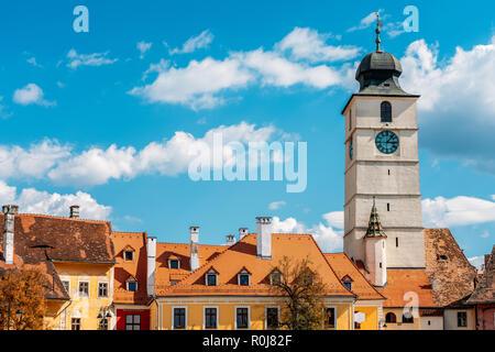 Die Innenstadt von mittelalterlichen Häusern der Stadt Sibiu in Rumänien - Stockfoto