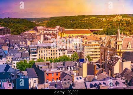 Panoramablick auf das Luftbild von Luxemburg in einem schönen Sommertag, Luxemburg - Stockfoto