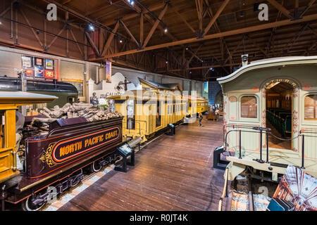 September 22, 2018 in Sacramento/CA/USA - Menschen, die in der California State Railroad Museum - Stockfoto