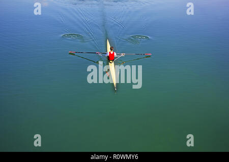 Single scull rudern Konkurrent, Rudern Rennen 1 Ruderer - Stockfoto