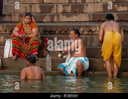 Indien - Varanasi, Varanasi, Uttar Pradesh, Indien. 31,10, 2018. Bild zeigt: Varanasi ist eine Stadt im nordindischen Bundesstaat Uttar Pradesh. Eine angesehen - Stockfoto