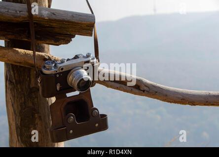 Die alte sowjetische entfernungsmesser film kamera mit manueller