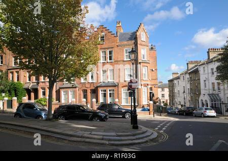 Krähe - trat Zeitraum Architektur in der ruhigen Gassen von Hampstead, London NW3, England, Großbritannien - Stockfoto