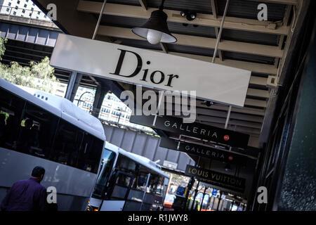 Sydney, New South Wales, Australien. 16 Okt, 2018. Modelabel Dior Logo in Sydney, Australien gesehen. Credit: Hendrik Osula/SOPA Images/ZUMA Draht/Alamy leben Nachrichten