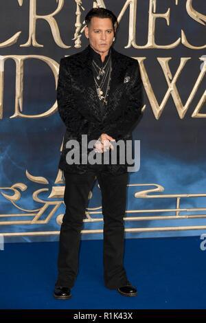 London, Großbritannien. 13 Nov, 2018. Johnny Depp nimmt fantastische Tiere die Verbrechen von Grindelwald - UK Premiere. London, Großbritannien. 13/11/2018 | Verwendung der weltweiten Kredit: dpa Picture alliance/Alamy leben Nachrichten - Stockfoto