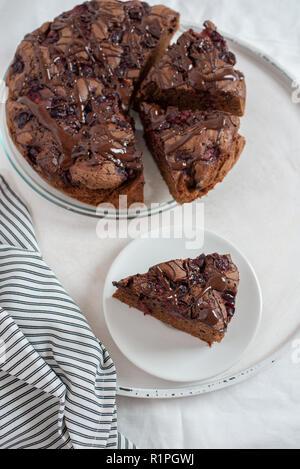 Schokoladen-Kirsch-Kuchen - Stockfoto