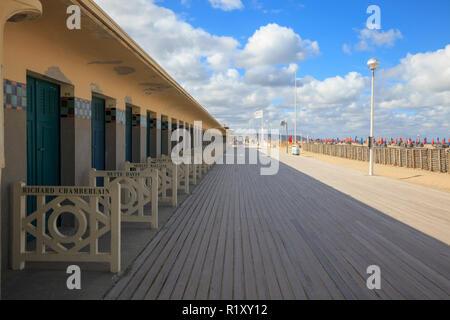 Deauville, Normandie, Frankreich. Promenade des Planches. Foto Vanessa Devolder - Stockfoto