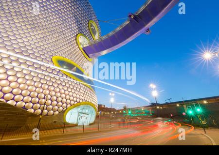 Selfridges Gebäude in der Dämmerung, Birmingham, England, Vereinigtes Königreich, Europa - Stockfoto